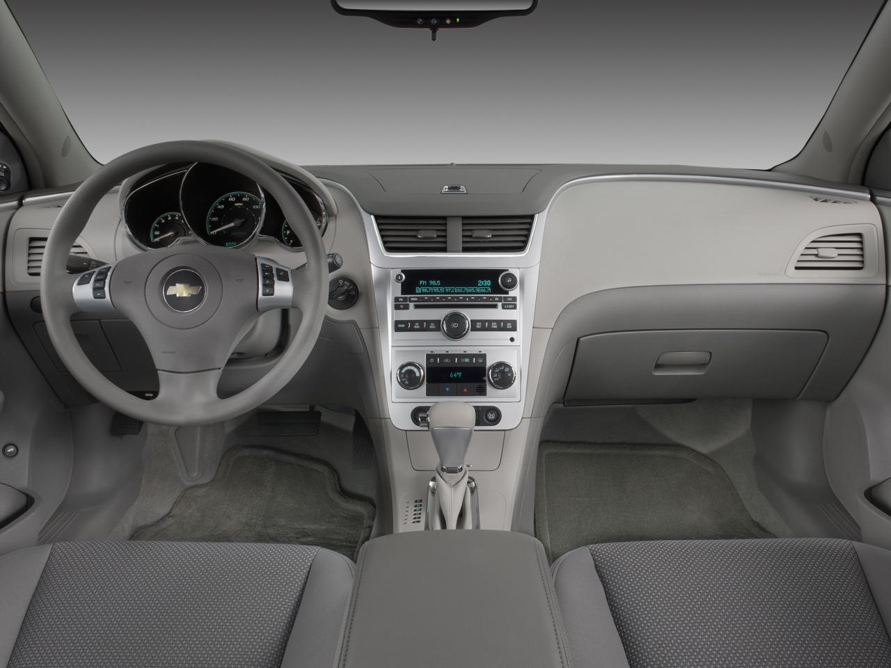 Interior del Auto Híbrido Chevrolet Malibu 2008 | Lista de ...