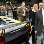Lamborghini Murcielago: Un selecto grupo de fans de coches súperdeportivos va a poder tener acceso al nuevo Lamborghini Murciélago LP 670-4 Súperveloz. El modelo está siendo exhibido en el Salón del Automóvil de Ginebra, en Suiza, y tendrá sólo 350 unidades producidas.