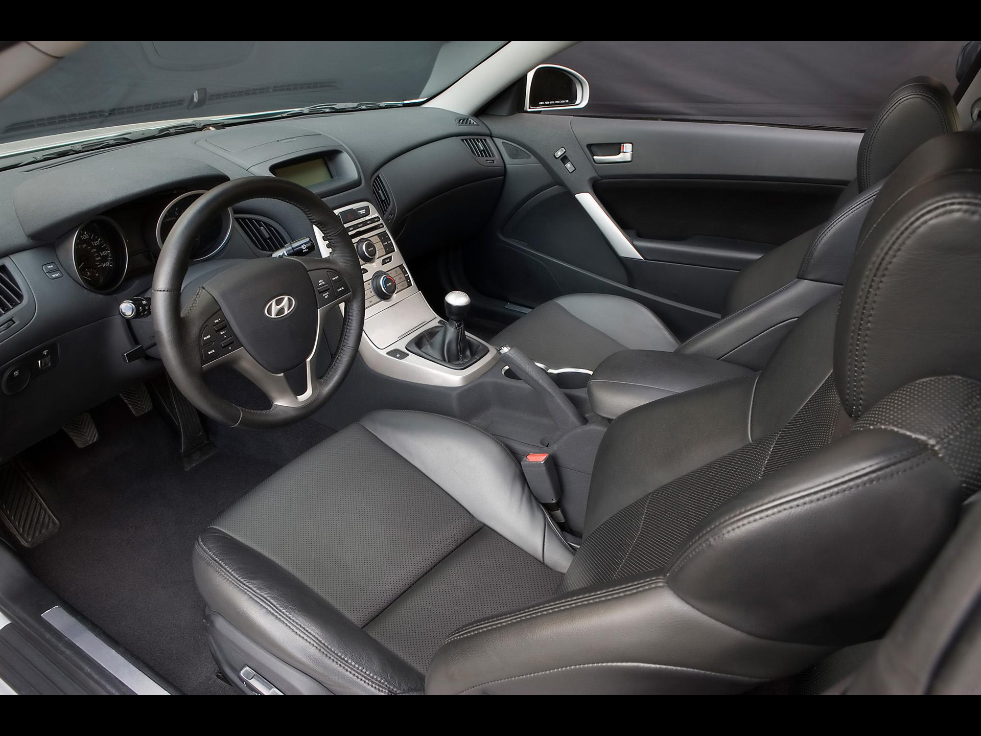 Interior Del Hyundai G 233 Nesis Coupe 2010 Lista De Carros