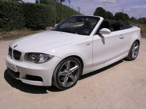 Carro BMW Serie 1 modelo 2009