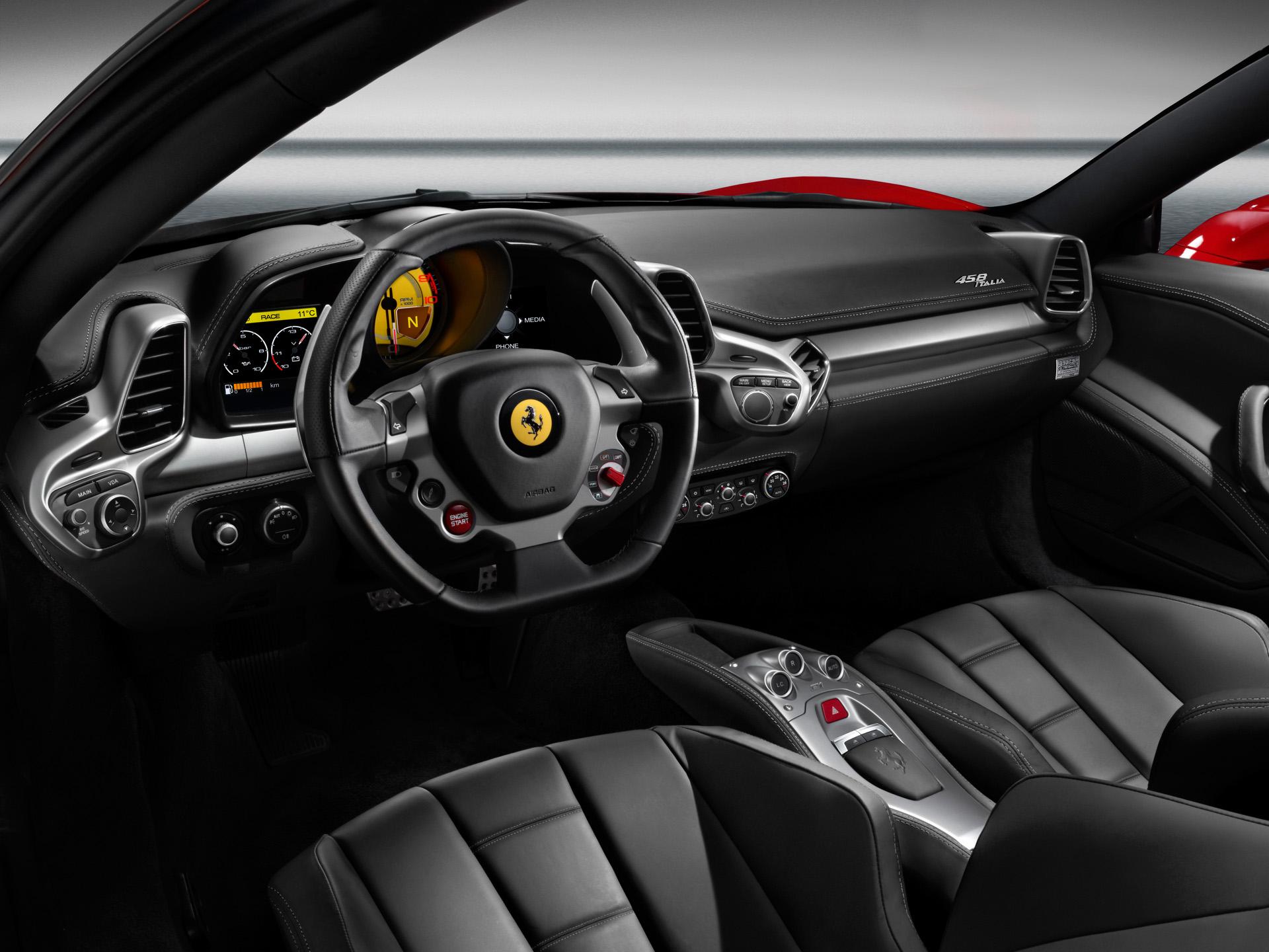 interior del ferrari 458 italia 2010 lista de carros