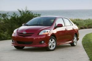 Carros económicos de combustible Toyota Yaris