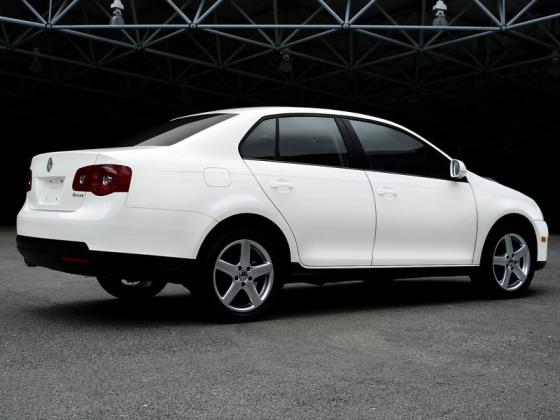 Volkswagen Bora 2009   Lista de Carros