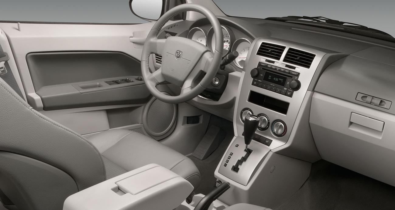Interior Del Dodge Caliber 2010 Lista De Carros
