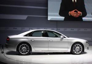 Carro Audi A8 modelo 2010