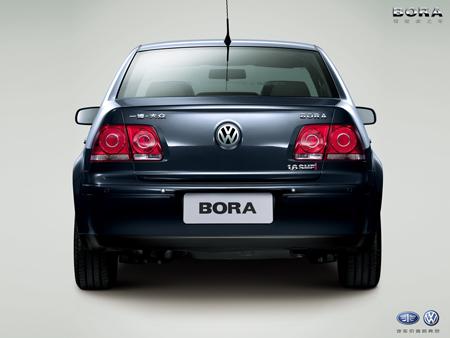 Vista posterior del Volkswagen Bora 2010