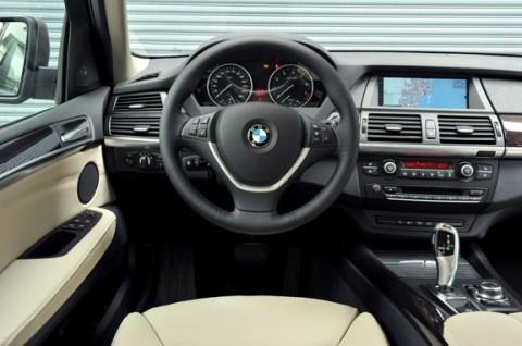 Interior del BMW X5 modelo 2010 | Lista de Carros