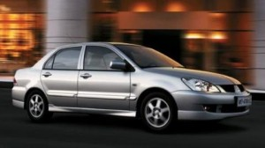 Mitsubishi Lancer GLX 2010: ficha técnica, imágenes y rivales