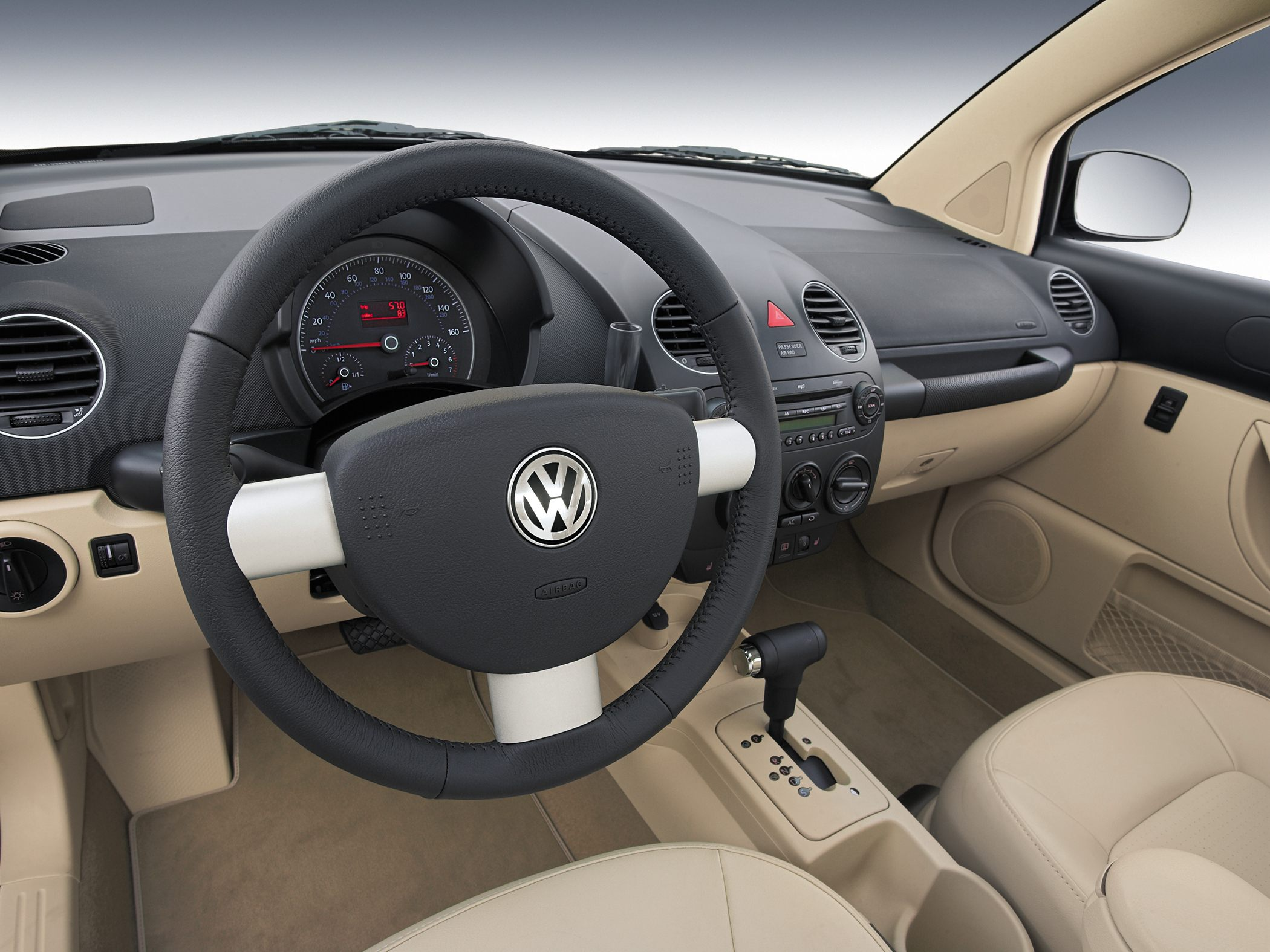 Interior del carro volkswagen new beetle 2010 lista de for New beetle interieur