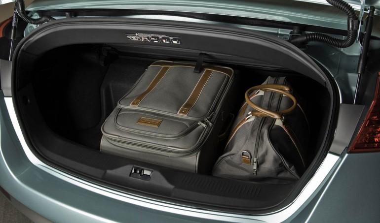Nissan Murano Cross Cabriolet El maletero tiene un