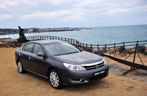 Renault-Samsung SM5 modelo 2010: ficha técnica, 24 imágenes y lista de rivales
