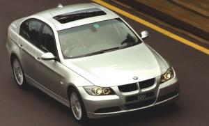 Carro BMW Serie 3 Sedán modelo 2011: ficha técnica y 9 imágenes