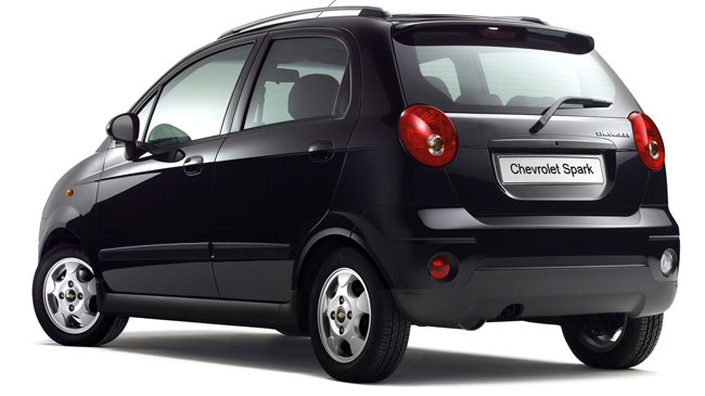chevrolet spark 2011 para su versi n b sica cuenta con un equipamiento que incluye direcci n. Black Bedroom Furniture Sets. Home Design Ideas