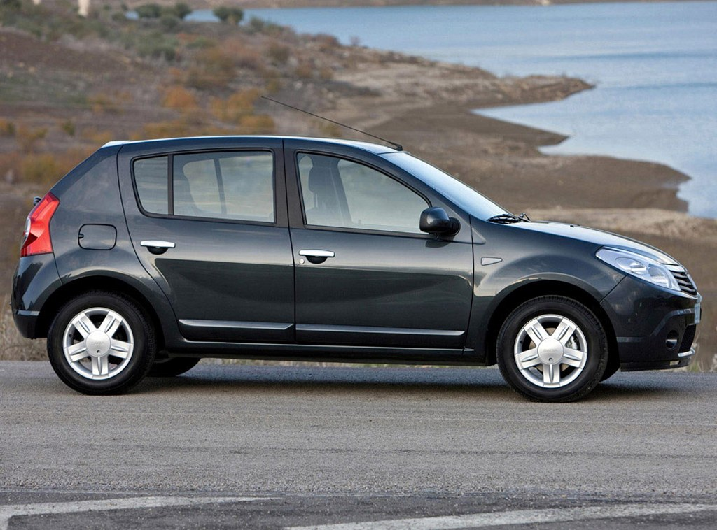 renault sandero 2011 mide de largo 1746 de ancho 1528mts de alto tiene una. Black Bedroom Furniture Sets. Home Design Ideas