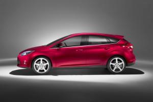 Ford Focus Hatchback 2011: ficha técnica, imágenes y lista de rivales