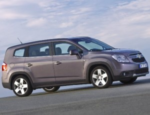 Chevrolet Orlando 2011: ficha técnica, imágenes y lista de rivales