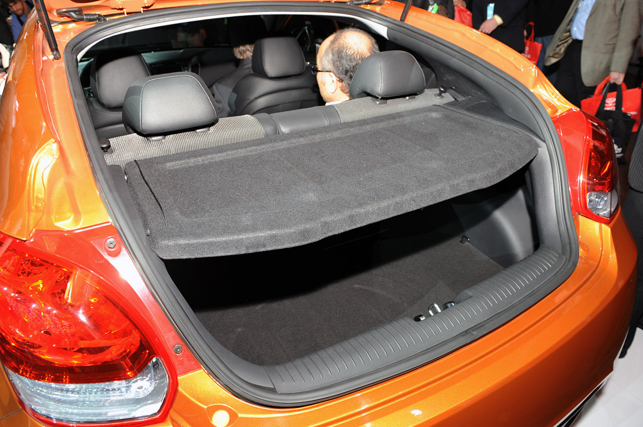 Interior del Hyundai Veloster 2012   Lista de Carros