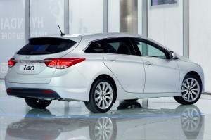 Hyundai i40 CW 2011 (imágenes y ficha técnica)