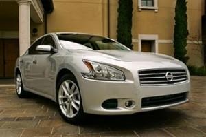 Nissan Maxima 2011: ficha técnica, imágenes y lista de rivales