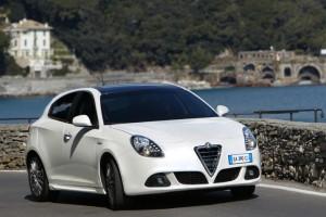 Alfa Romeo Giulietta 2011: ficha técnica, imágenes y lista de rivales