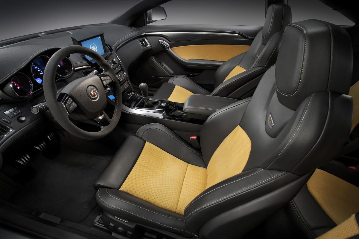 cadillac cts v coupe 2011 ficha t cnica im genes y lista de rivales lista de carros. Black Bedroom Furniture Sets. Home Design Ideas