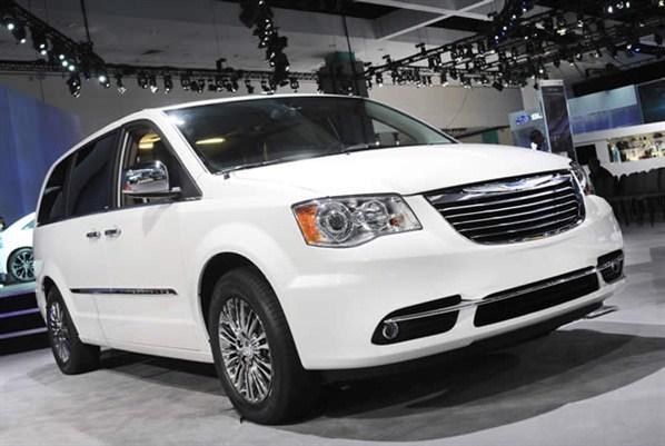Town And Country Toyota >> Chrysler Town & Country 2011: ficha técnica, imágenes y lista de rivales   Lista de Carros
