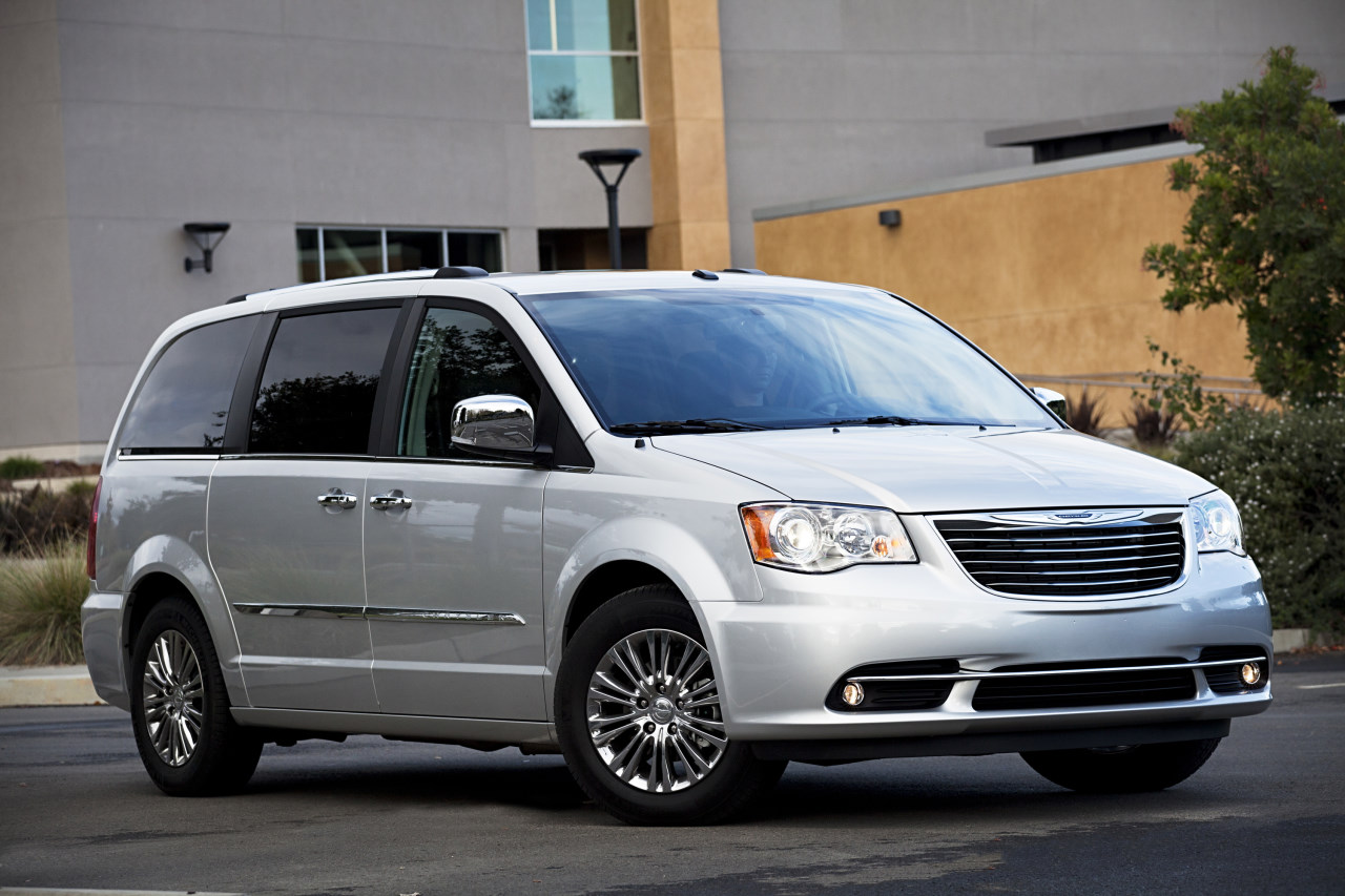 chrysler town country 2011 ficha t cnica im genes y lista de rivales lista de carros. Black Bedroom Furniture Sets. Home Design Ideas