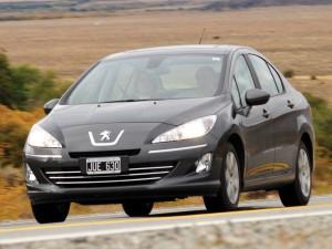 Peugeot 408 modelo 2011: ficha técnica, imágenes y lista de rivales
