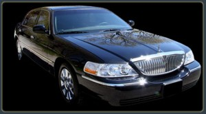 Lincoln Town Car 2011: ficha técnica, imágenes y lista de rivales