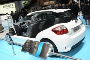 El Toyota Yaris HSD Concept llegará en el 2012