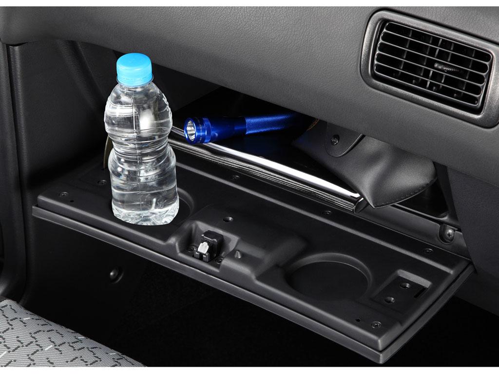 Nissan Tsuru 2012: precio, ficha técnica, imágenes y lista ...