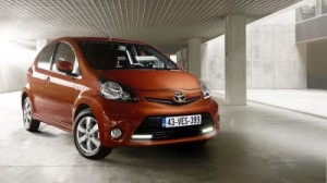 Toyota Aygo 2012: ficha técnica, imágenes y lista de rivales