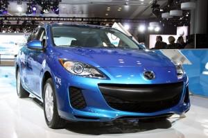 Mazda3 Sedán 2012: precio, ficha técnica, imágenes y lista de rivales