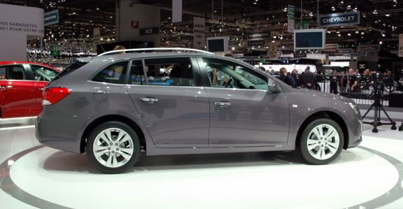 http://www.listadecarros.com/wp-content/uploads/2012/03/Chevrolet-Cruze-Station-Wagon-5.jpg