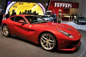 Salón de Ginebra 2012: Ferrari F12 Berlinetta (imágenes y datos)