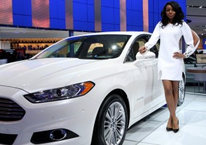 Ford Fusion Hybrid 2012: precio, ficha técnica, imágenes y lista de rivales