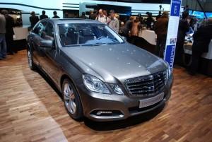 Mercedes Benz Clase E Sedán 2012: precio, ficha técnica, imágenes y lista de rivales