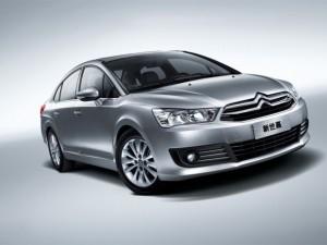 Citroën C4 Sedán 2012: ficha técnica, imágenes y lista de rivales.