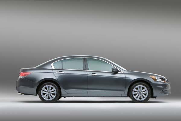 Honda Accord Sedan 2012 Precio Ficha Tecnica Imagenes Y Lista De Rivales Lista De Carros