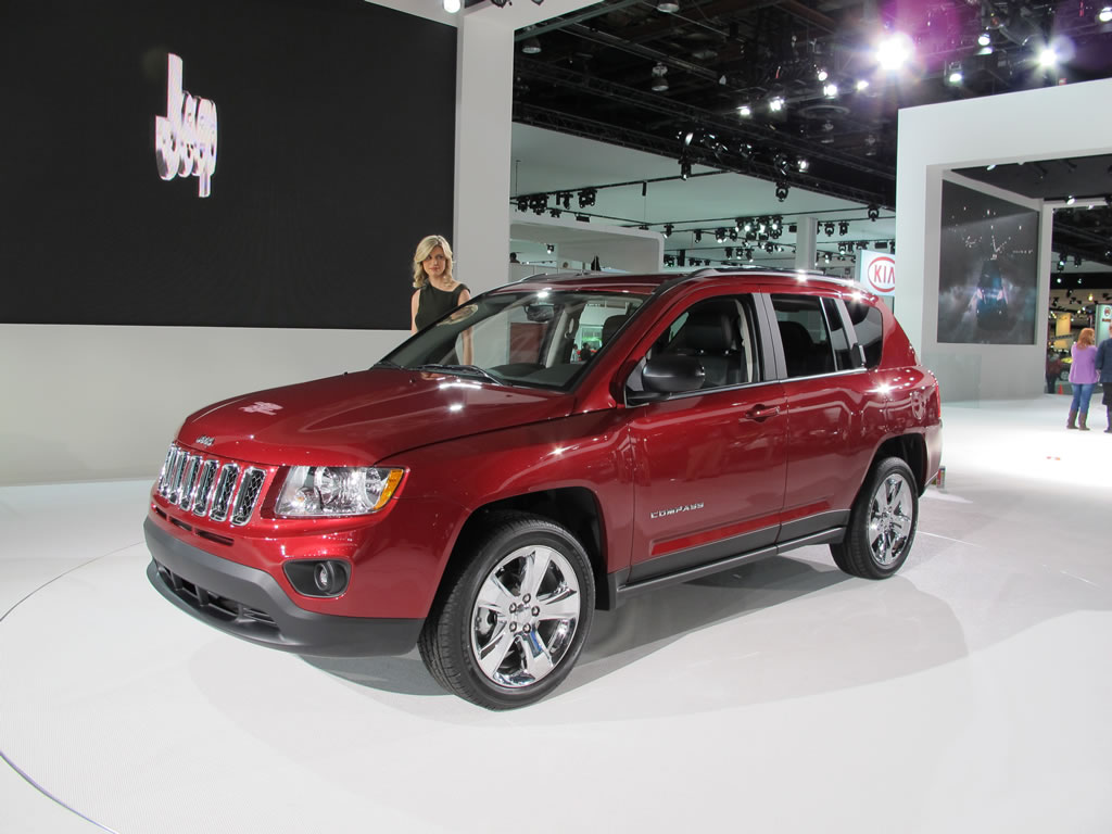 El Jeep Compass 2012 se ofrece con estas opciones de motor ...