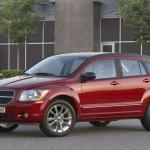 El Dodge Caliber 2012 se sigue ofrecido con el motor del año 2011, es decir un cuatro cilindros y 2.0 litros, 16 válvulas, doble eje de levas DOHC con VVT, que entrega 158CV a 6.000rpm y un torque de 165lb-pie a 4.400rpm, asociado a una transmisión manual de cinco velocidades ó automática tipo CVT. Tiene un consumo de 24mpg (38.6kmpg) en ciudad y 32mpg (51.5kmpg) en carretera.