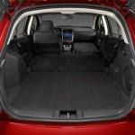 El Dodge Caliber 2012 tiene estas medidas y capacidades: 4415mm de largo, 1748mm de ancho, 1534mm de alto, tiene una distancia entre ejes de 2635mm y su tanque de combustible tiene una capacidad de 52litros. Su peso bruto vehicular es de 2.012kg.