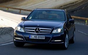 Mercedes Benz Clase C Sedán 2012: precio, ficha técnica, imágenes y lista de rivales