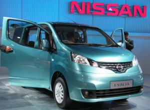 Nissan Evalia 2012: precio imágenes y ficha técnica
