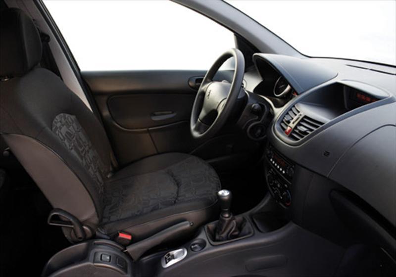 Peugeot 207 compact 2012 precio ficha t cnica im genes for Peugeot 207 interior