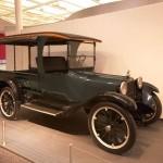 Dodge Old Betsy: Inmediatamente después del lanzamiento, el Dodge Old Betsy se convirtió en un éxito; la popularidad de los carros de esta marca continuó creciendo y a mediados de 1925, un millón de estos carros ya circulaban por las carreteras.