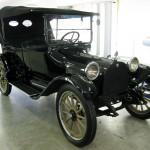 Dodge Old Betsy: Fue un carro construido en 1914 para ser confiable y de larga duración. En ese año, Dodge construyó un total de 249 carros nuevos