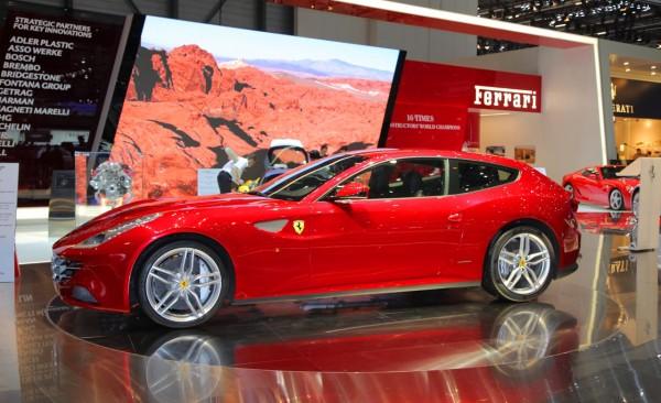 ferrari ff 2012 el m s potente cavallino rampante lista de carros. Black Bedroom Furniture Sets. Home Design Ideas