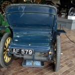 Fiat 3 ½ HP de 1899: Tenía el motor situado en la parte trasera. Se trataba de un motor bicilíndrico, refrigerado por agua a través de un radiador o serpentina que funcionaba únicamente cuando el carro estaba en movimiento. Tenía 657 centímetros cúbicos y generaba una potencia efectiva de cerca de 4 ½ CV, aunque a efectos fiscales se le reconoció una potencia de 3 ½ CV a 400rpm. Su velocidad máxima era de 35 km/h. Poseía caja de cambios manual de 3 velocidades sin marcha atrás, transmisión de cadena, y doble sistema de frenos en las ruedas traseras. Este modelo consumía 8 litros cada 100 km.