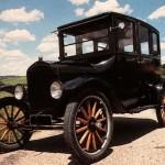 Ford T: Fue diseñado por Henry Ford, inició su producción el 12 de agosto de 1908, salió de la fábrica el 27 de septiembre de 1908 y vio la luz pública el 1 de octubre de 1908.